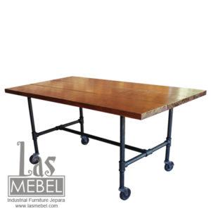 meja-makan-kaki-roda-besi-dining-table-pipe-wheel-industrial-furniture-jepara-mebel-kayu-kaki-roda-besi-powder-coating-metal-wood-weld-las-mebel-jepara