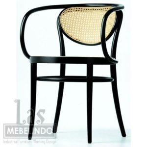 bentwood-arm-chair-kursi-cafe-furniture-kayu-jati-rotan- las-mebel-indo-jepara.jpg